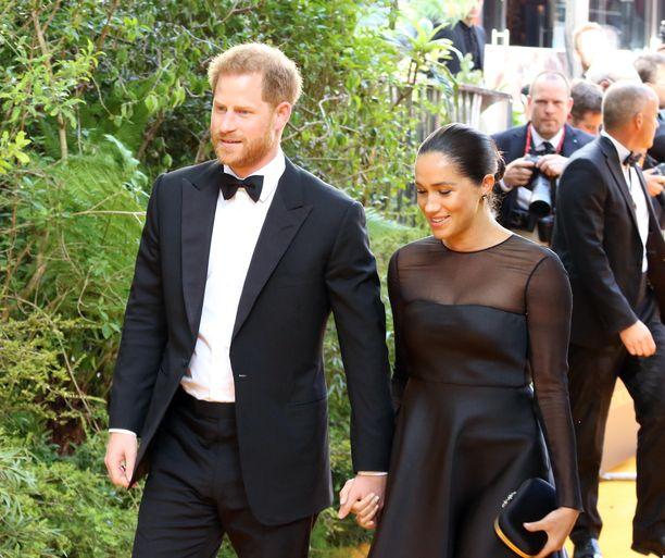 Prinssi Harry ja Meghan pystyivät astelemaan Leijonakuninkaan ensi-iltaan rauhassa heinäkuussa, sillä todennäköisesti uusi lastenhoitaja piti huolta pikku-Arciesta.