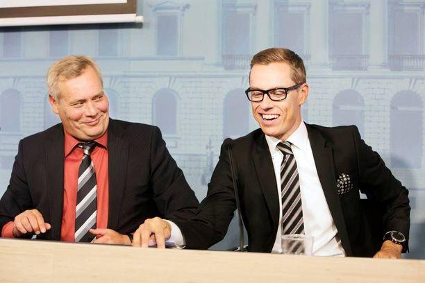 Pääministeri Alexander Stubb (kok) ja valtiovarainministeri Antti Rinne (sd) neuvottelivat ensi vuoden budjetin kasaan elokuun lopulla.