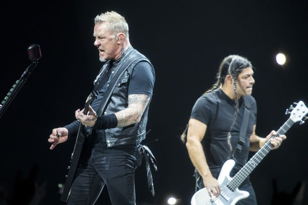 Metallican James Hetfield ja Robert Trujillo.
