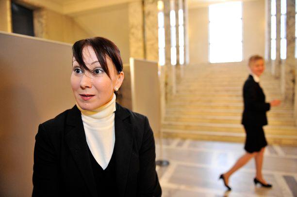 Perussuomalaiset haluaa perua päätöksen eläkeläisten asumistuesta. Arkistokuvassa sosiaali- ja terveysministeri Hanna Mäntylä.