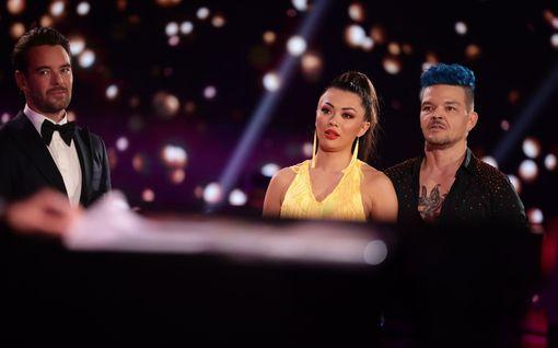 """Shirly Karvinen putosi Tanssii tähtien kanssa -kilpailusta: """"Harmittaa ihan sairaasti"""""""