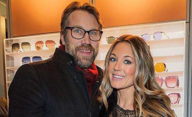Peter Forsberg ja Nicole Nordin muuttavat Sveitsiin.