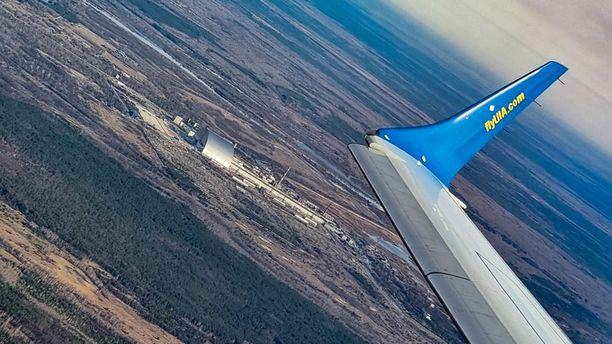 Kone tulee pysymään yli säädetyn 900 metrin yläpuolella.