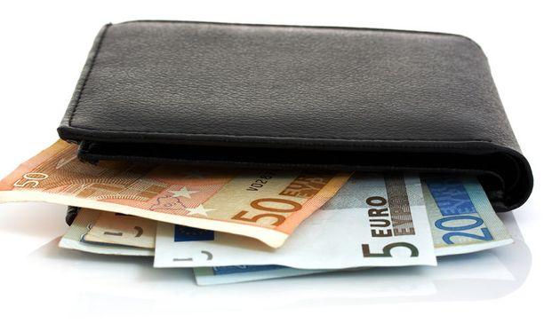 Puolueille maksettiin viime vuonna 34 miljoonaa euroa puoluetukia.