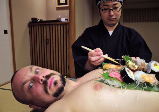 JAPANISSA Rantala opastaa syömään rohkeasti juuri niitä ruokia, joita paikalliset itsekin syövät.