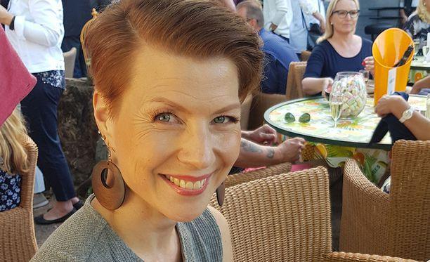 Heidi Kyrö kertoo näkevänsä itsensä joskus edelleen lihavana.