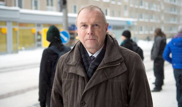 Tutkija Pekka Visuri pitää kohua Putinin puheista outoina.