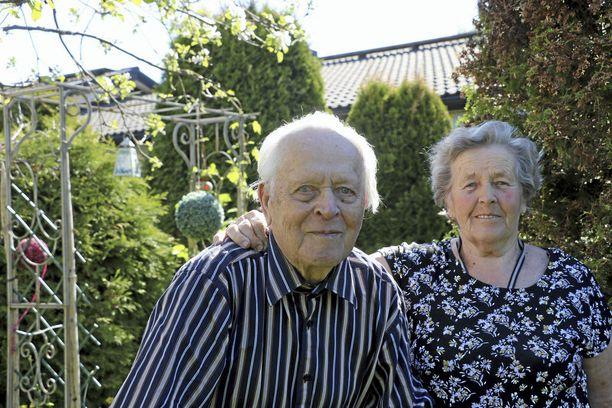Hyvään parisuhteeseen tarvitaan joustoa ja yhteisymmärrystä, kertovat Onerva ja Antti Kekki.