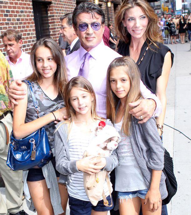 Stallonella on kolme tytärtä Jennifer Flavinin kanssa.