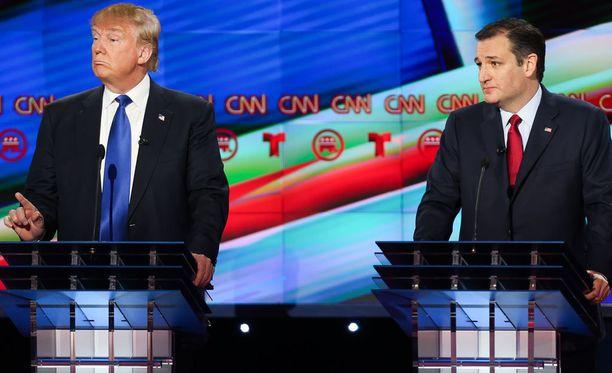 Donald Trump ja Ted Cruz väittelivät Houstonissa Texasissa.