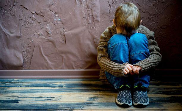 Lainsäädännön arviointineuvosto katsoo, että esitettyjen muutosten vaikutuksia lapsiin tulisi arvioida.
