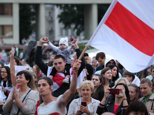 Poliisi on jälleen ottanut kiinni toimittajia Valko-Venäjällä.