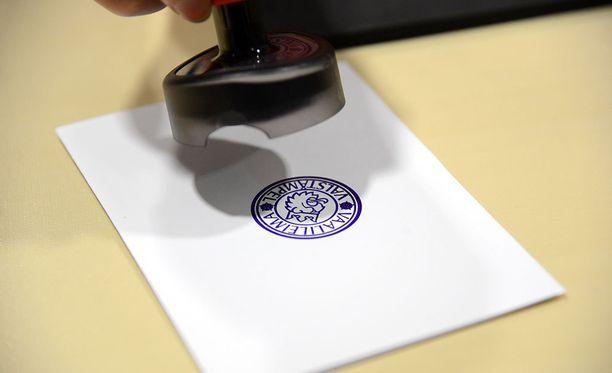 Maakuntavaalit järjestetään sunnuntaina 28. lokakuuta, jos eduskunta saa säädettyä vaaleihin liittyvät lait ajoissa. Lakien on oltava voimassa 1. heinäkuuta.