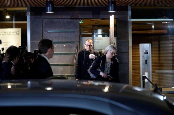 Pääministeri Juha Sipilän (kesk) lähin avustaja Riina Nevamäki sai syyskuussa yli 700 euron palkankorotuksen.