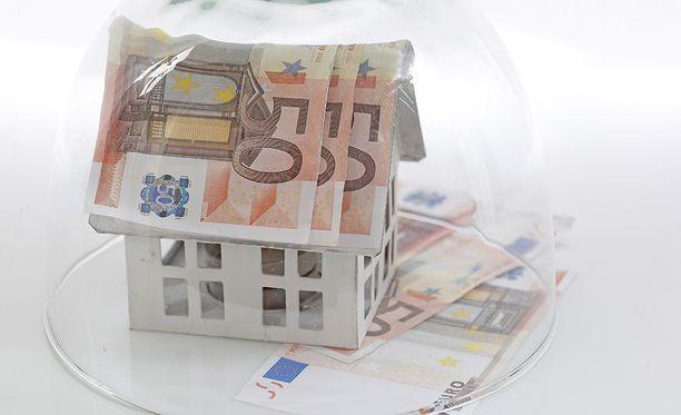 Asuntomarkkinat ja pörssi eivät välttämättä jaksa ylämäessä, kirjoittaa Mika Koskinen. Kuvituskuva.
