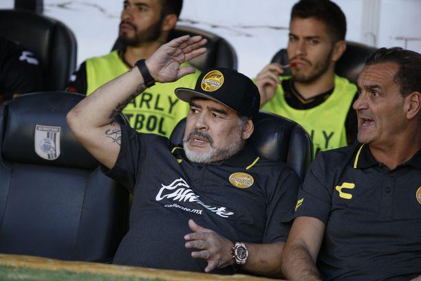 Diego Maradona joutuu leikkaukseen.
