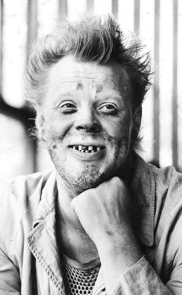 Uuno Turhapuro nauratti ensimmäisen kerran valkokankailla jo 40 vuotta sitten.