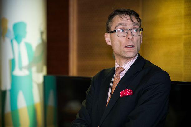 Oikeuskansleri Tuomas Pöysti näpäytti hallitusta paimenkirjeellä perustelemattomasta päätöksentekotavasta huhtikuun lopussa. Kuva vuodelta 2015.