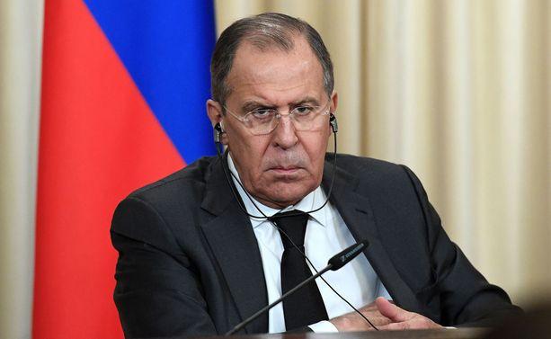 Sergei Lavrov väitti lehdistötilaisuudessa yhdysvaltalaisten viranomaisten yrittäneen salaa lahjoa ja vakoilla venäläisiä diplomaatteja.