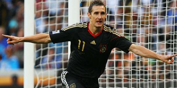 Miroslav Klose on näyttänyt maalintekijän taitonsa aiemmin myös Suomea vastaan.