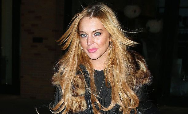 Lindsay Lohanin kerrotaan haaveilevan laulu-uran uudelleen henkiin herättämisestä.