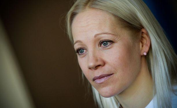 Kaisa Mäkäräinen pohtii maajoukkueen päävalmentaja-asiaa.
