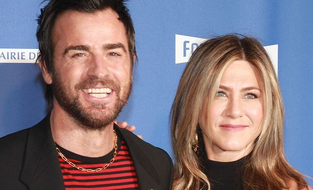 Aniston ja Theroux laittoivat lusikat jakoon.