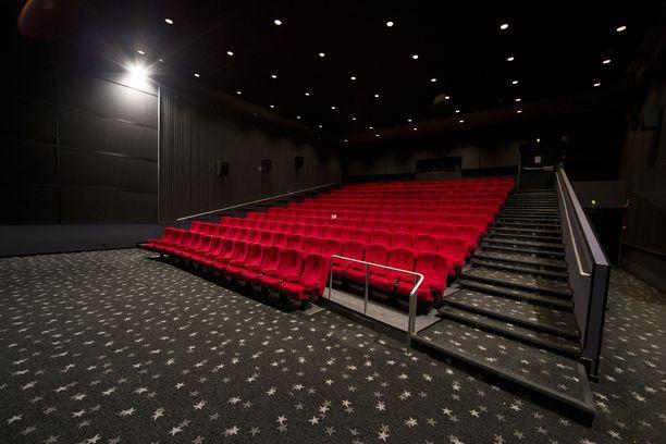 Ohjeiden mukaan elokuvanäytöksen sallittu kapasiteetti on toistaiseksi 10 henkilöä näytöstä kohden. Arkistokuva.