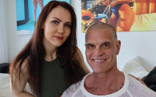 Gladiaattorit-legenda Mohikaani-Mikan, 57, ja Titta-rakkaan, 26, onni: lapsi tulossa!
