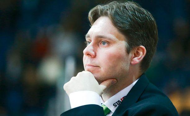 Tuomas Tuokkola ei lähtenyt kommentoimaan Antti Tyrväisen toilailuja.