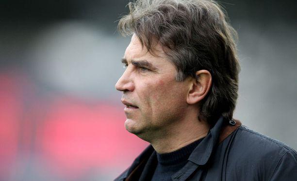 Alexei Eremenko senior ehti valmentaa Kazakstanissa vajaan vuoden.