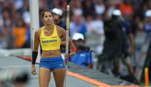 Ruotsin Angelica Bengtsson on seiväshypyn uusi Pohjoismaiden ennätysnainen.
