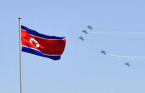 Pohjois-korealaisen lehden mukaan Yhdysvaltain harjoitukset nostavat ydinsodan riskiä.