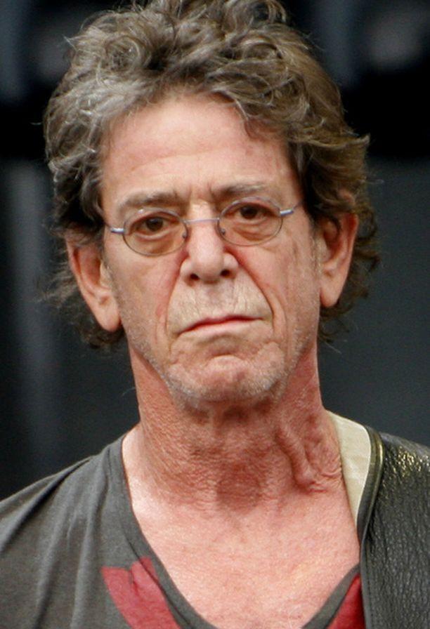 Lou Reed haukkui Huvilateltan akustiikkaa.
