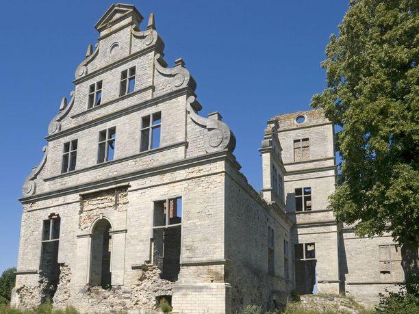 Ungrun linna löytyy Haapsalun läheltä.