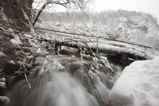 Puisto on kaunis lumen peittämänäkin.