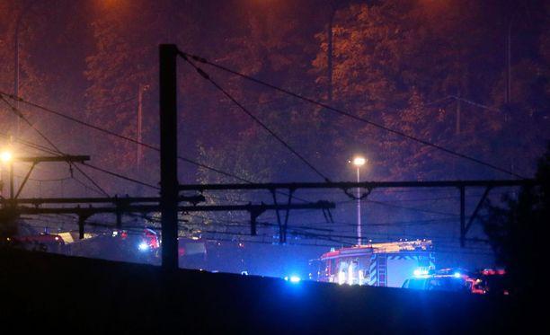 Junassa oli onnettomuushetkellä kaiken kaikkiaan noin 40 matkustajaa.
