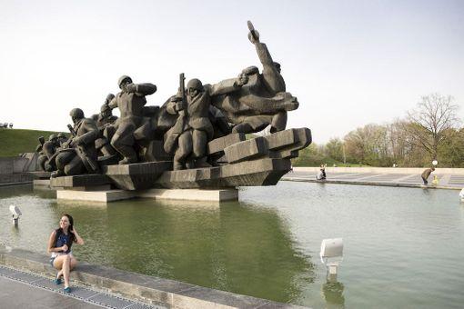 Historian eri jaksot näkyvät Kiovan kaupunkikuvassa.