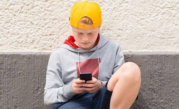 Ruudulla on niin paljon kiinnostavaa, että nuori voi olla sykkyrässä tuntikausia.