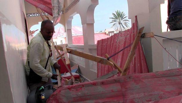 Hashi oli Somaliassa kouluttamassa paikallisia toimittajia ja tekemässä reportaasia.