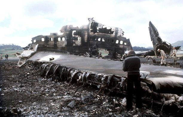 Lento-onnettomuudessa kuoli 583 ihmistä.