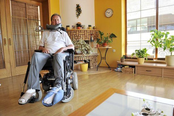 Jaroslav Otevrel asuu Tshekin Zlinissä, jonne rakennettiin talo juuri hänen tarpeitaan varten.