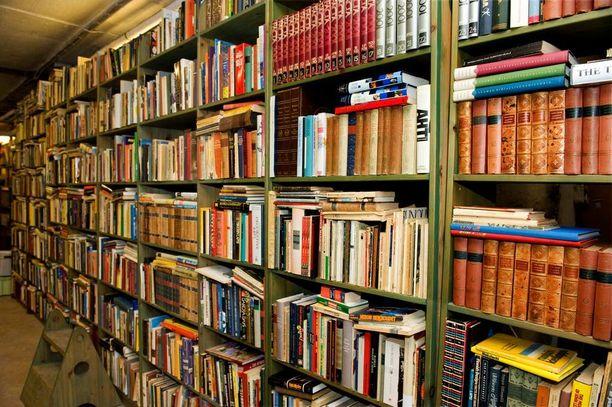 Pyhtään kirjaston kirjastonhoitaja päätti laittaa pisteen nuorten sikailulle lyömällä kirjastolle 16 vuoden ikärajan iltaisin.