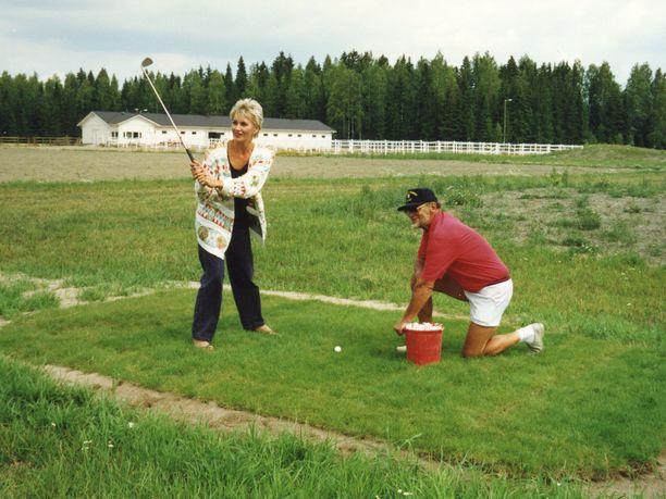 Elokuvan golf-kohtaus ei mennyt aivan nappiin.