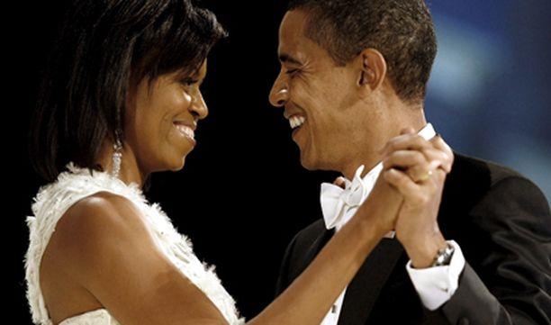 Obamat osallistuivat Washingtonissa peräti kymmeneen tanssiaistapahtumaan.