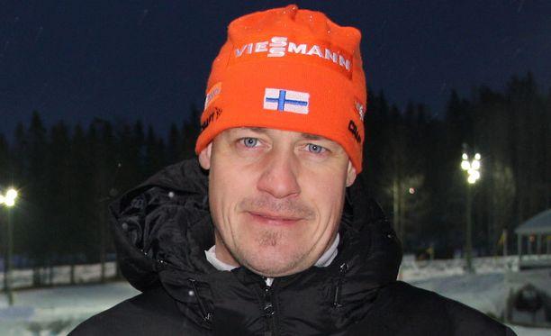 Marko Laaksonen ei ole huolissaan Kaisa Mäkäräisen pummeista.