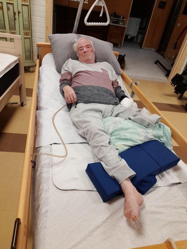 Juhani Palmu pääsi kotiin ensimmäistä kertaa onnettomuuden jälkeen.