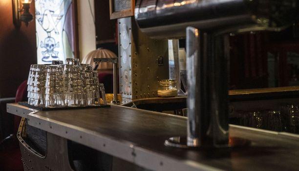 Oikeuden mukaan kajaanilaisravintolan kuuluu saada korvauksia kesäkuun alusta lähtien voimassa olleista rajoituksista. (Arkistokuva. Kuvan ravintola ei liity juttuun.)
