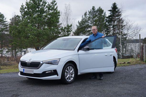 Jouko Lintula on pyörittänyt avopuolisonsa Jaana Suverin kanssa taksiyritystä vuodesta 2004.