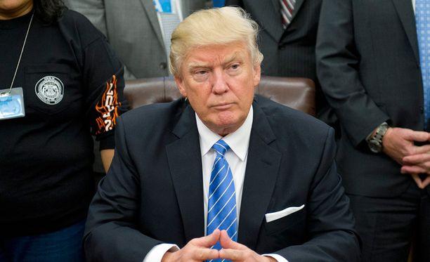 Yhdysvaltain presidentti Donald Trump haluaa selvityksen vaalivilppiepäilyistä.
